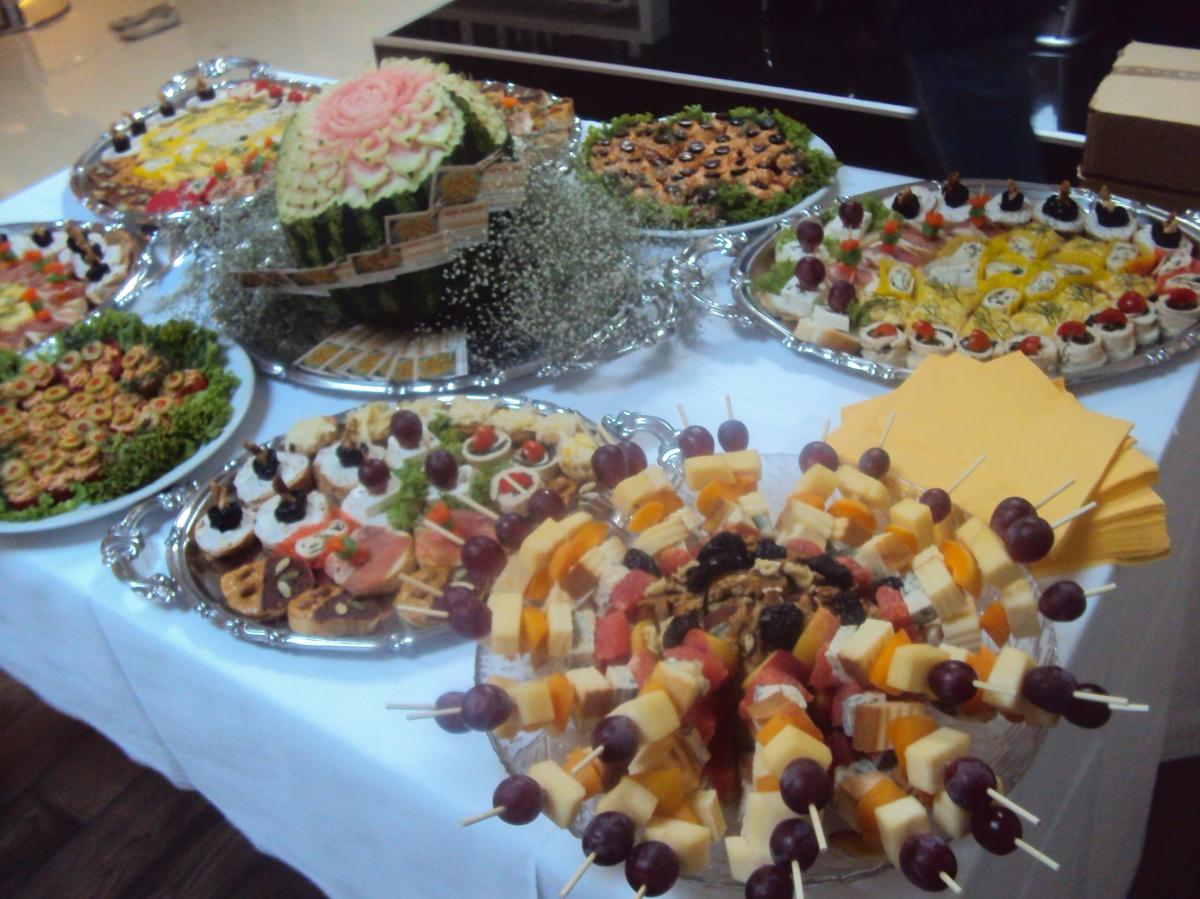 zakuska za rođendan Vocni Aranzmani,Carving Voća i Povrća, | Voćne dekoracije  zakuska za rođendan